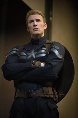 """Chris Evans, Star of """"Captain America: The Winter Soldier"""" Named Grand Marshal for DAYTONA 500 [Marvel]"""